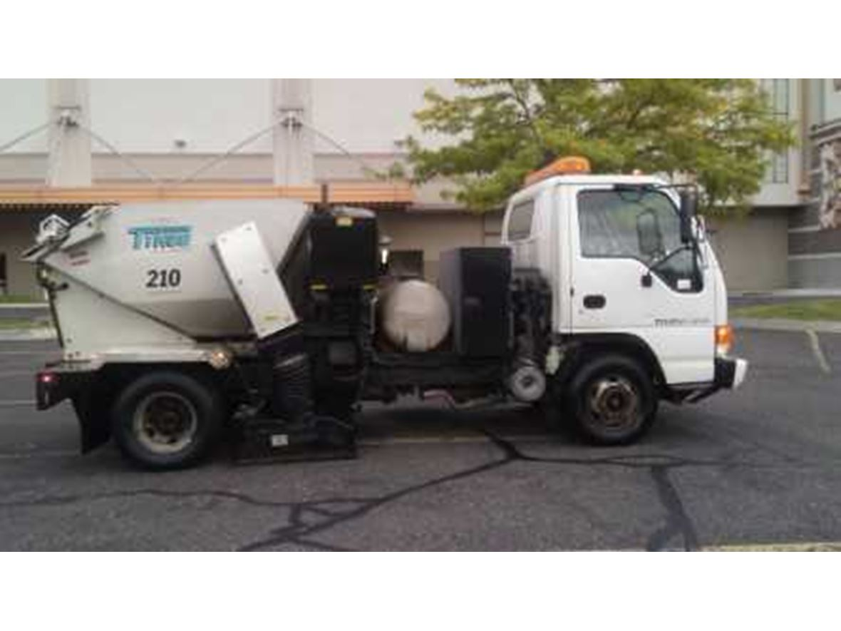 2004 Isuzu NPR for sale by owner in Provo