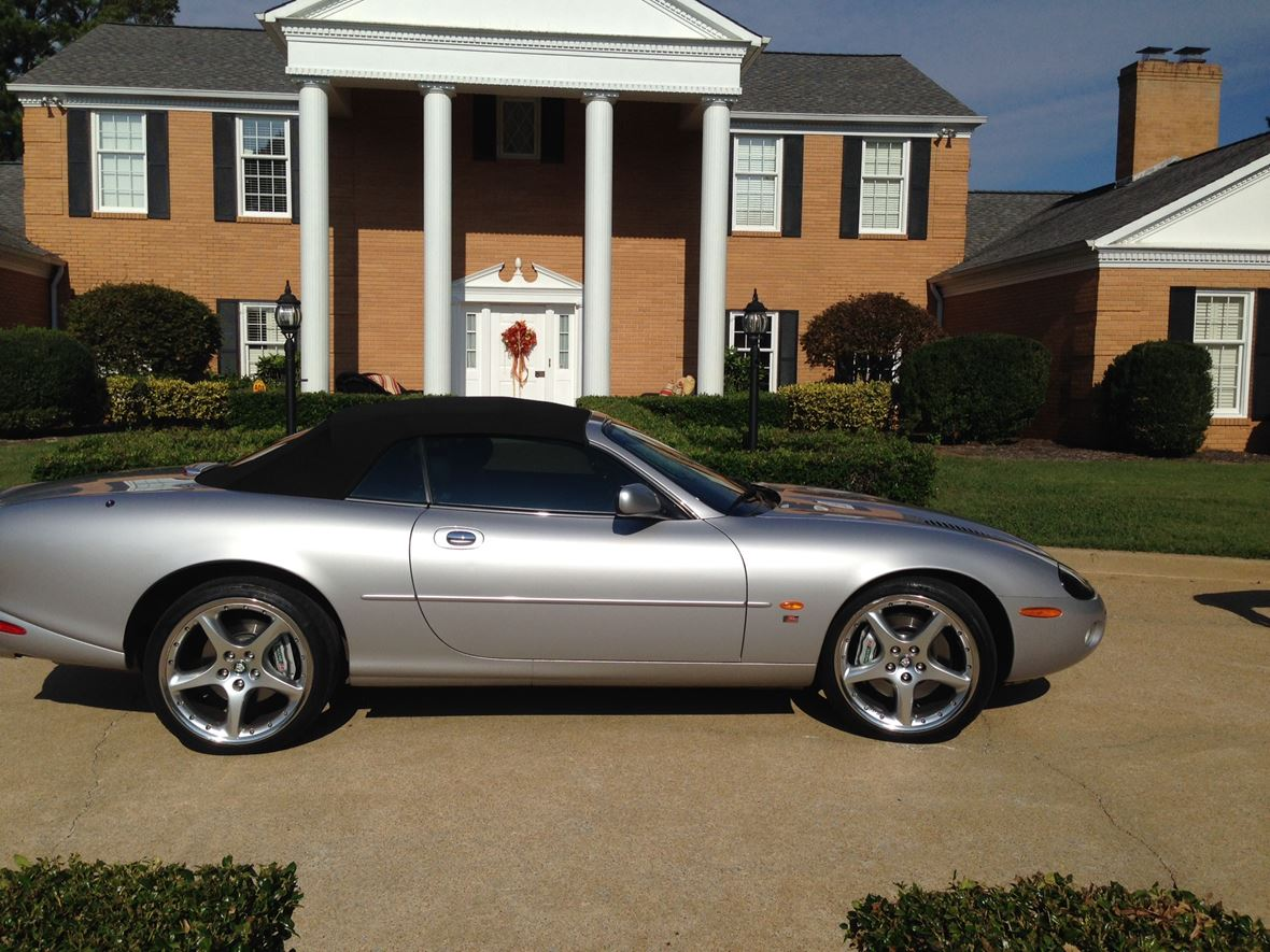 2003 Jaguar XKR for sale by owner in Ooltewah