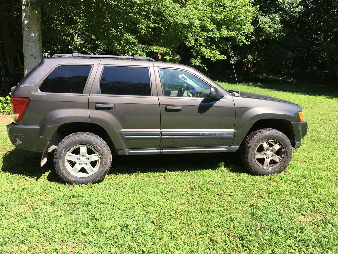 2005 Jeep Cherokee for sale by owner in Clarksville