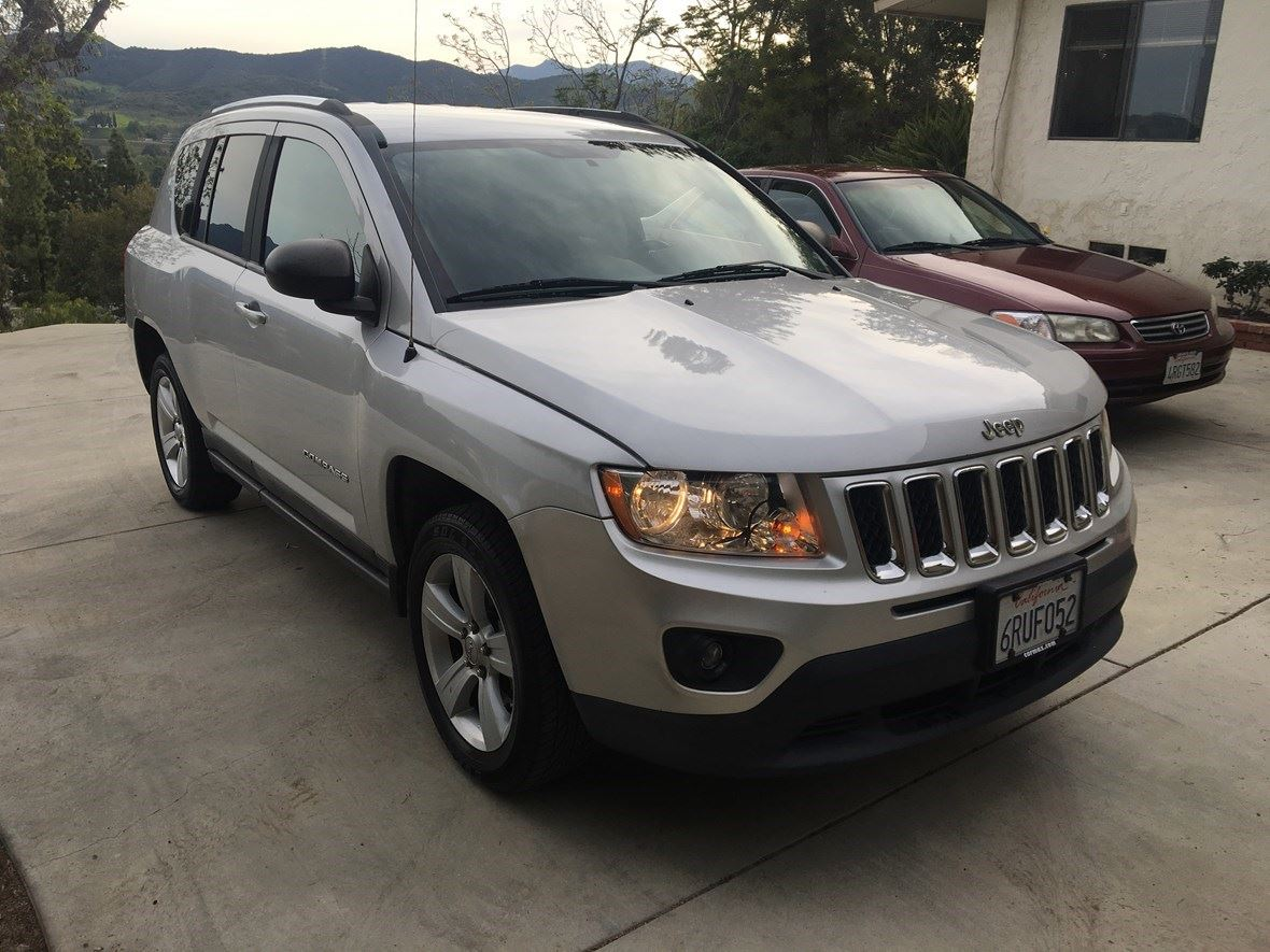 2011 Jeep Compass for sale by owner in Thousand Oaks