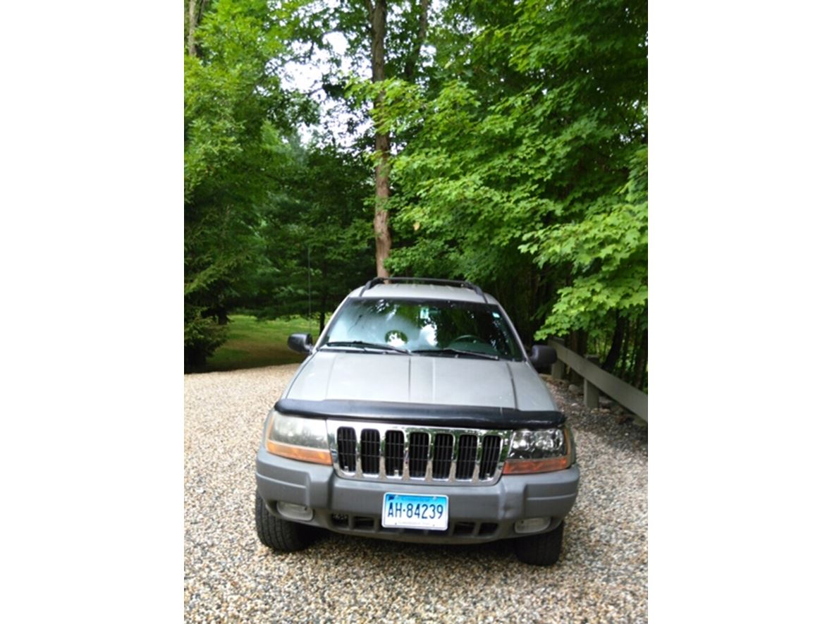 2000 Jeep Grand Cherokee for sale by owner in Danbury