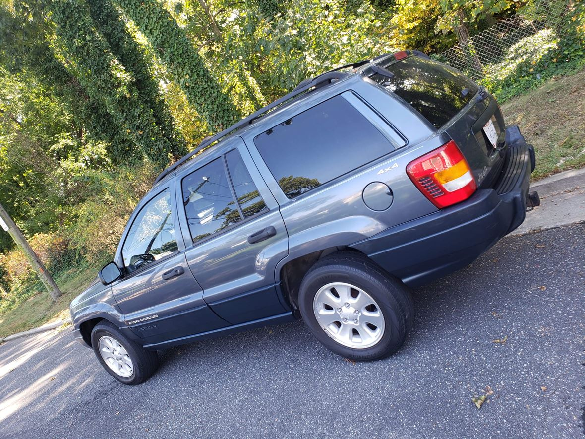 2001 Jeep Grand Cherokee for sale by owner in Hempstead