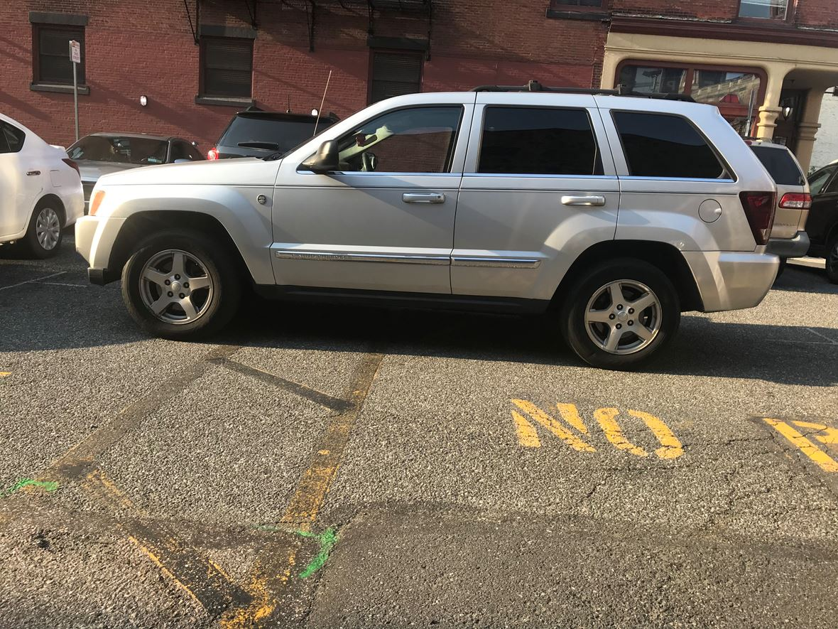 2005 Jeep Grand Cherokee for sale by owner in Darby