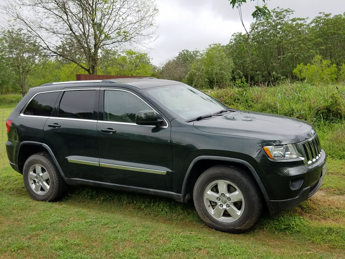 2011 Jeep Grand Cherokee for sale by owner in Austin