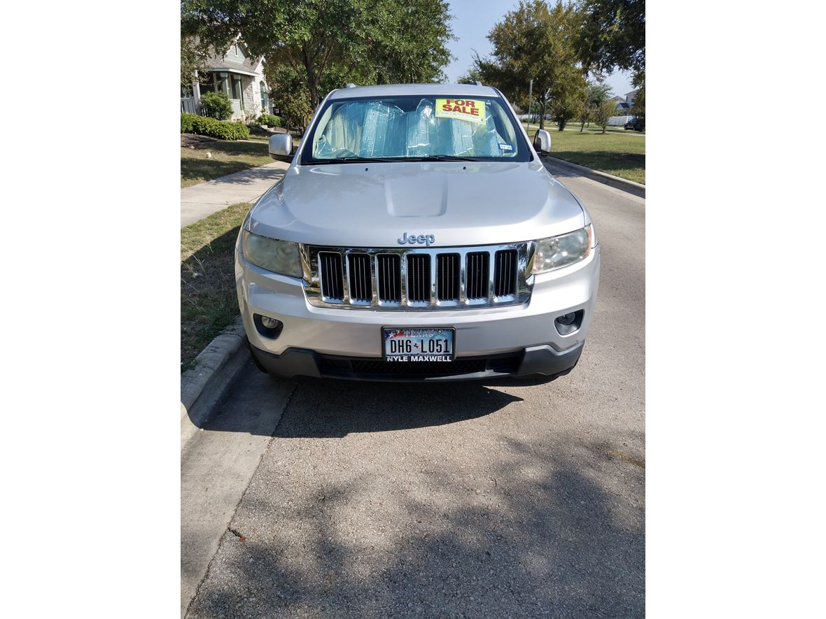 2012 Jeep Grand Cherokee for sale by owner in Pflugerville