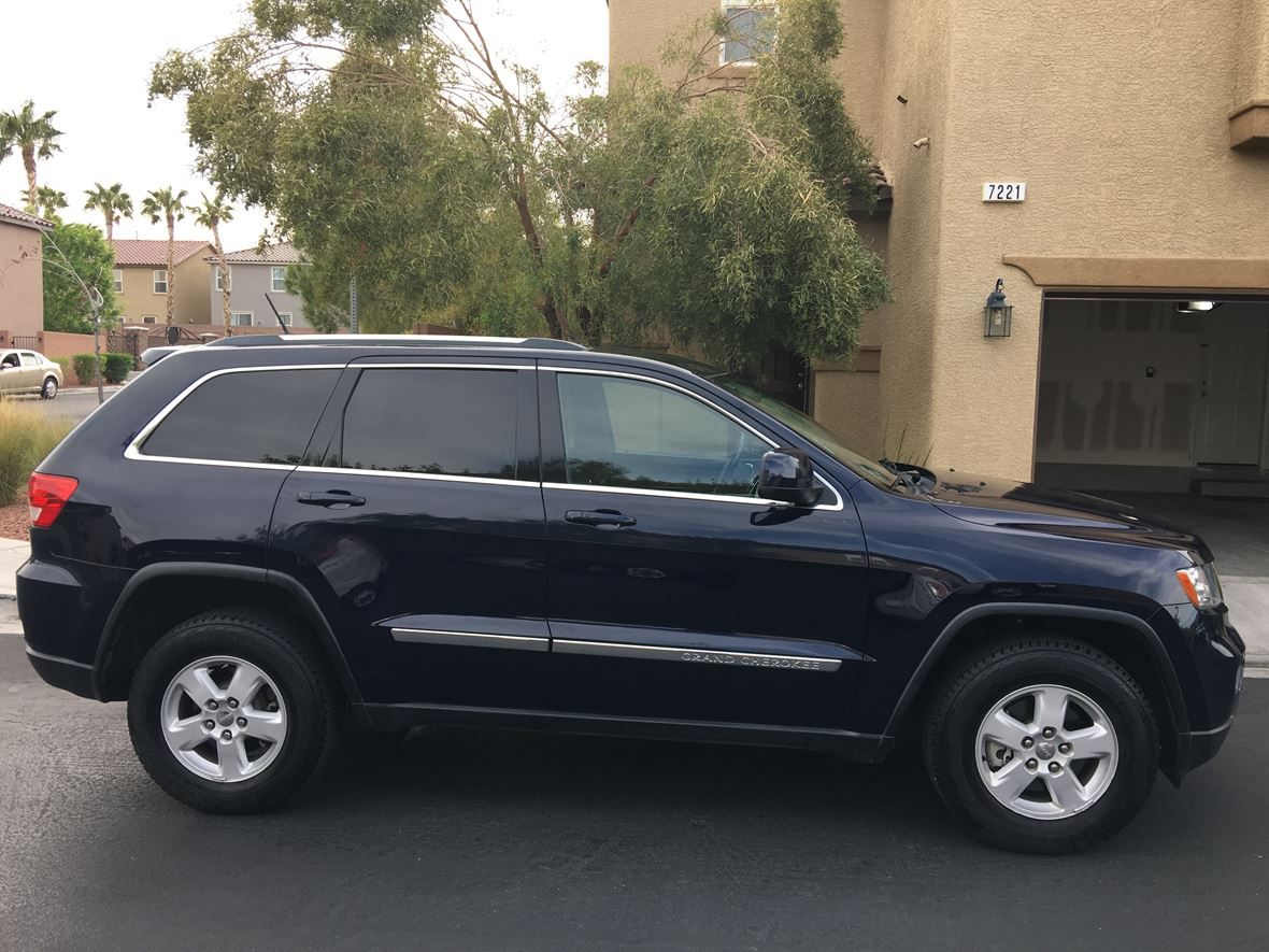 2013 Jeep Grand Cherokee for sale by owner in Las Vegas