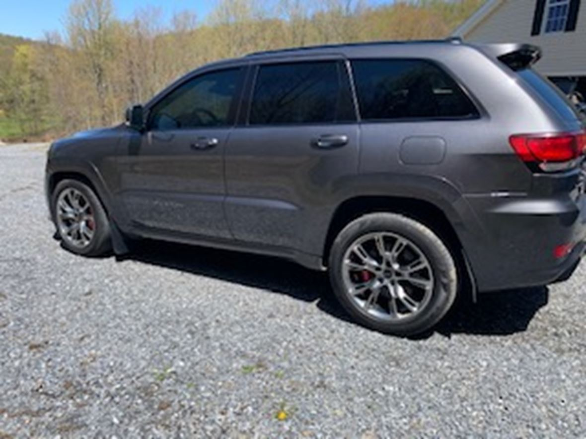 2017 Jeep Grand Cherokee SRT for sale by owner in Johnstown