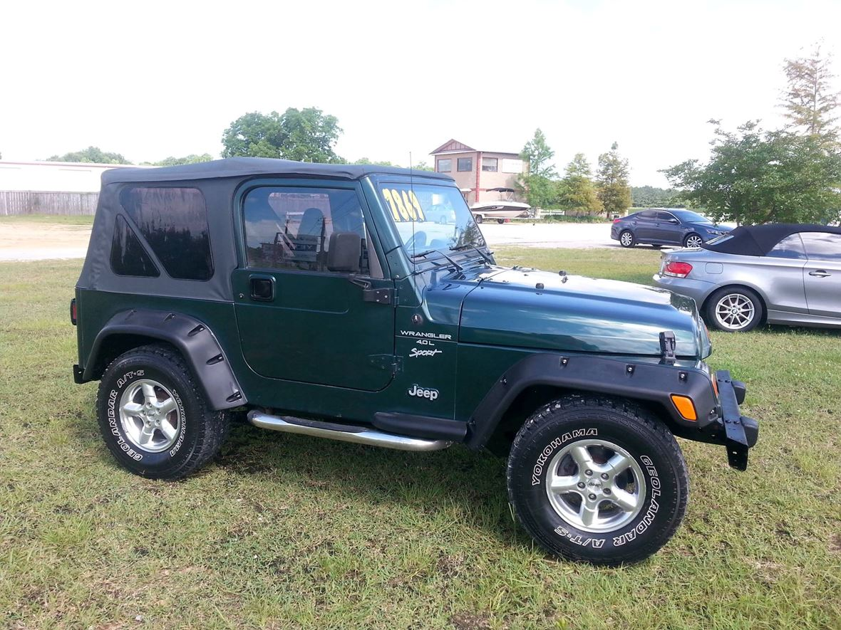 1999 Jeep Wrangler for sale by owner in Jacksonville Beach