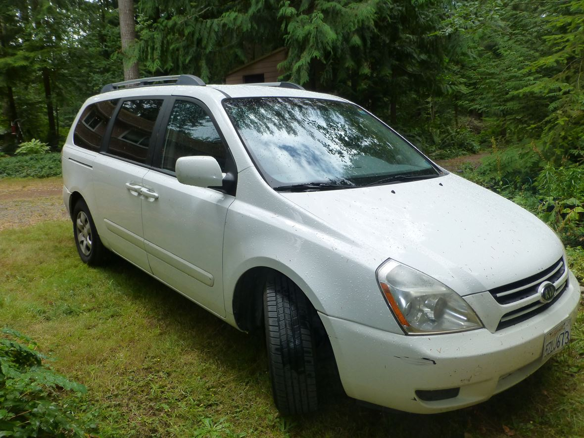 2006 Kia Sedona for sale by owner in Carbonado