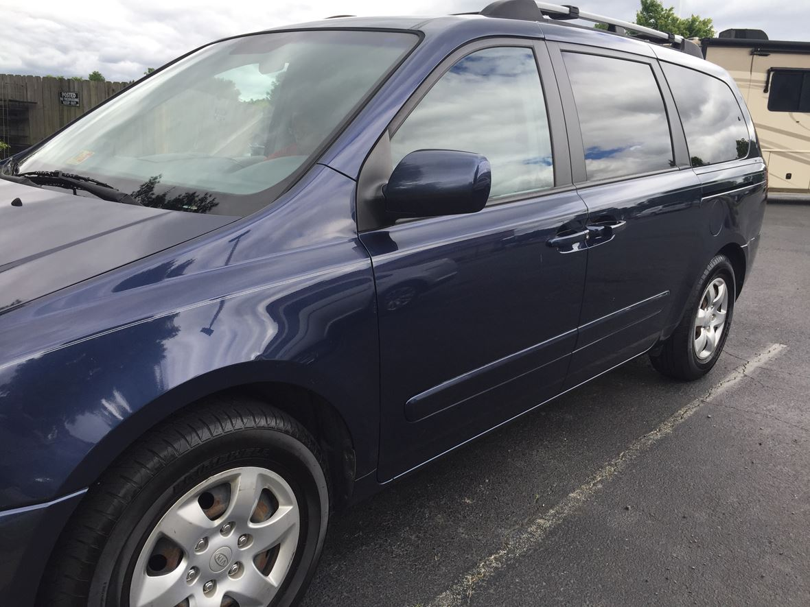 2007 Kia Sedona for sale by owner in Chesterfield