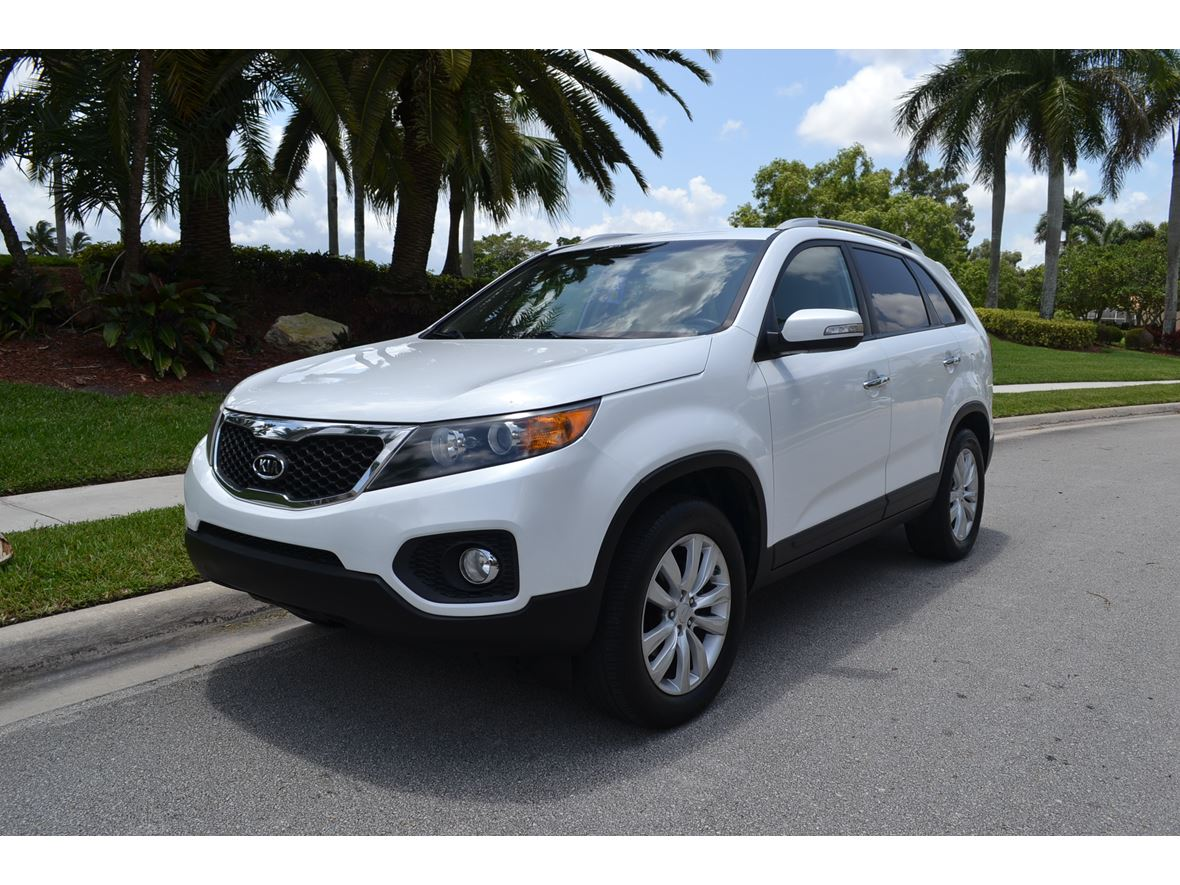 2011 Kia Sorento for sale by owner in Fort Lauderdale