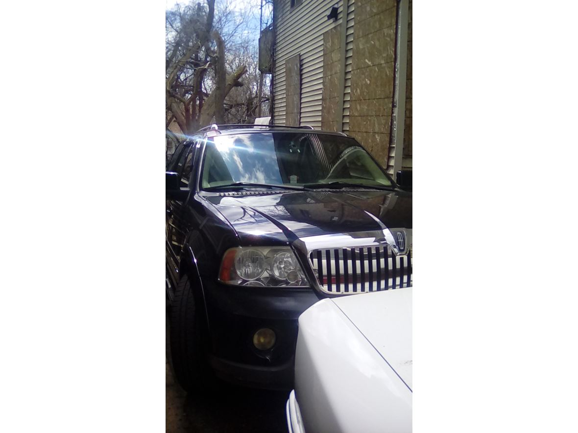 2004 Lincoln Navigator for sale by owner in Waterbury