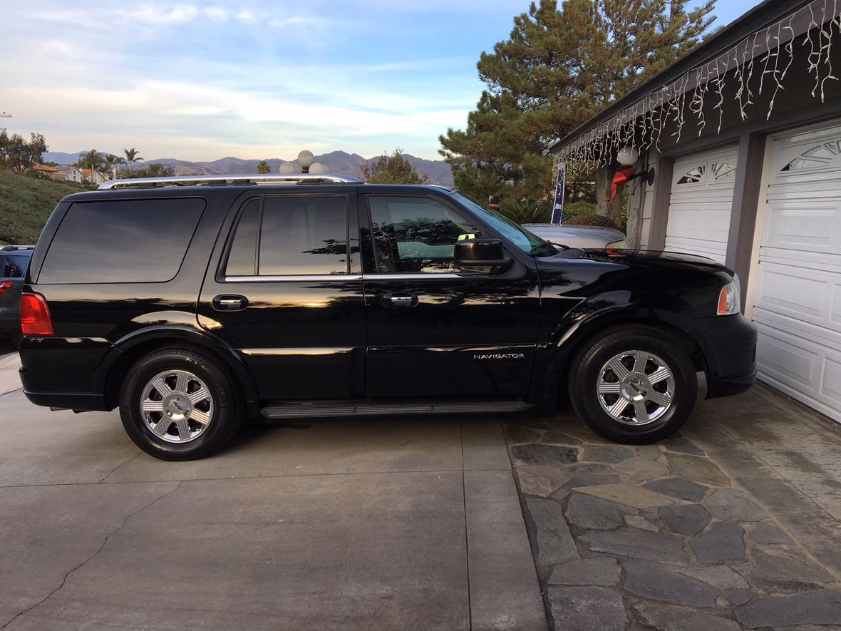 2005 Lincoln Navigator for sale by owner in Lake Forest