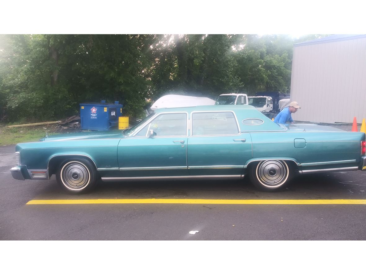 1979 Lincoln Town Car for sale by owner in Lansdowne
