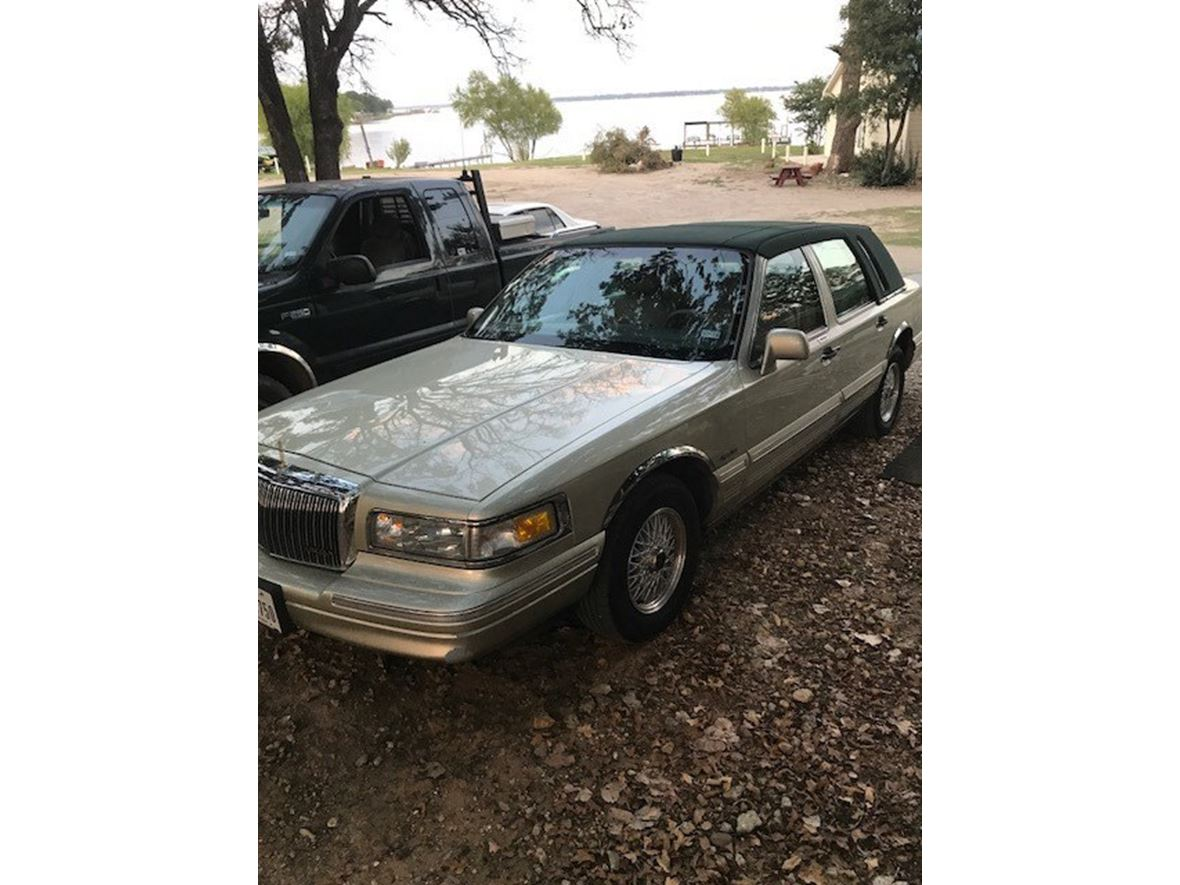 1997 Lincoln Town Car For Sale By Owner In Forreston Tx 76041