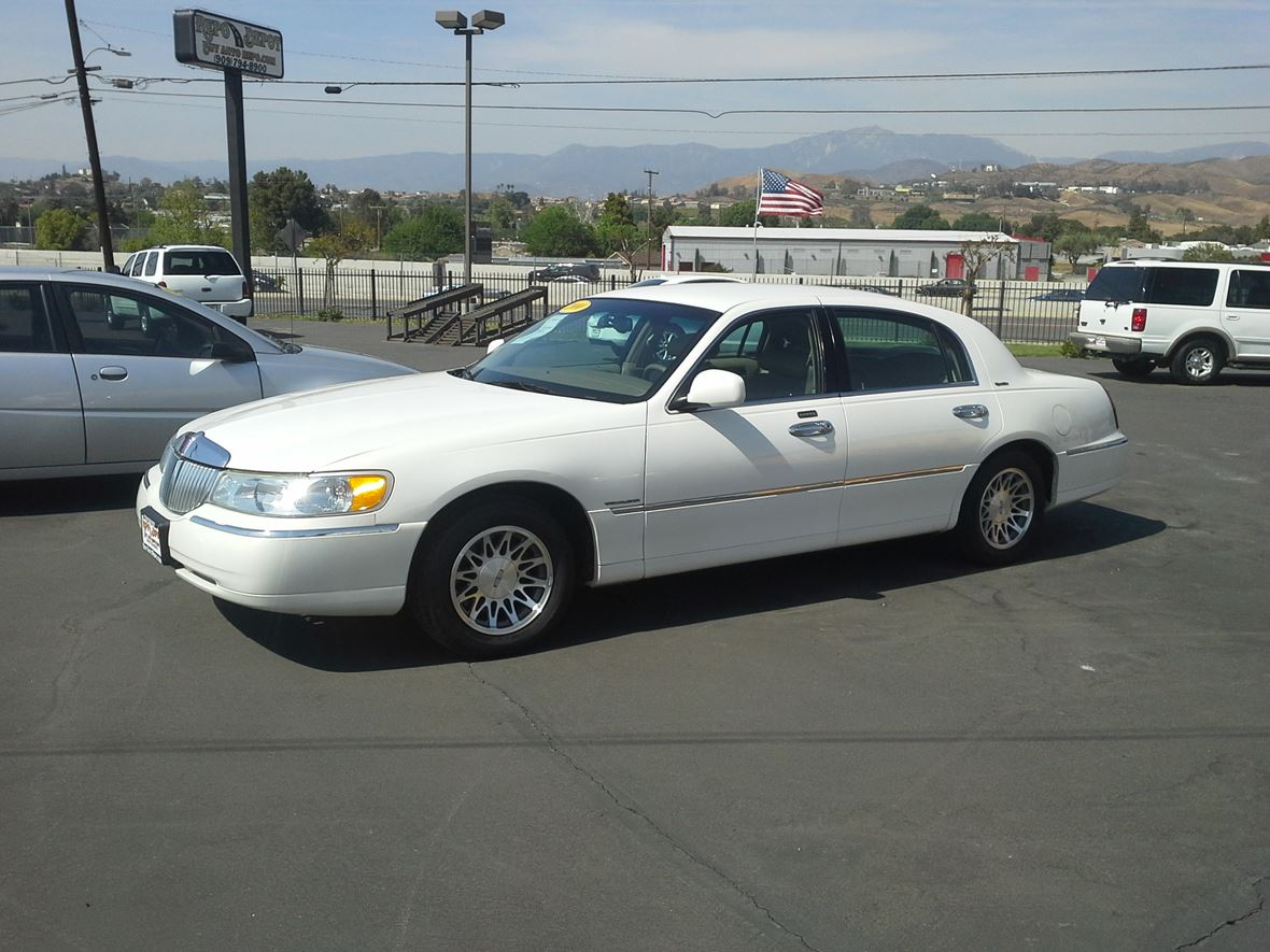 2000 Lincoln Town Car Sale By Owner In Big Bear Lake Ca 92315