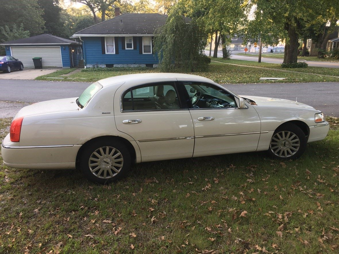 2003 Lincoln Town Car For Sale By Owner In Hobart In 46342