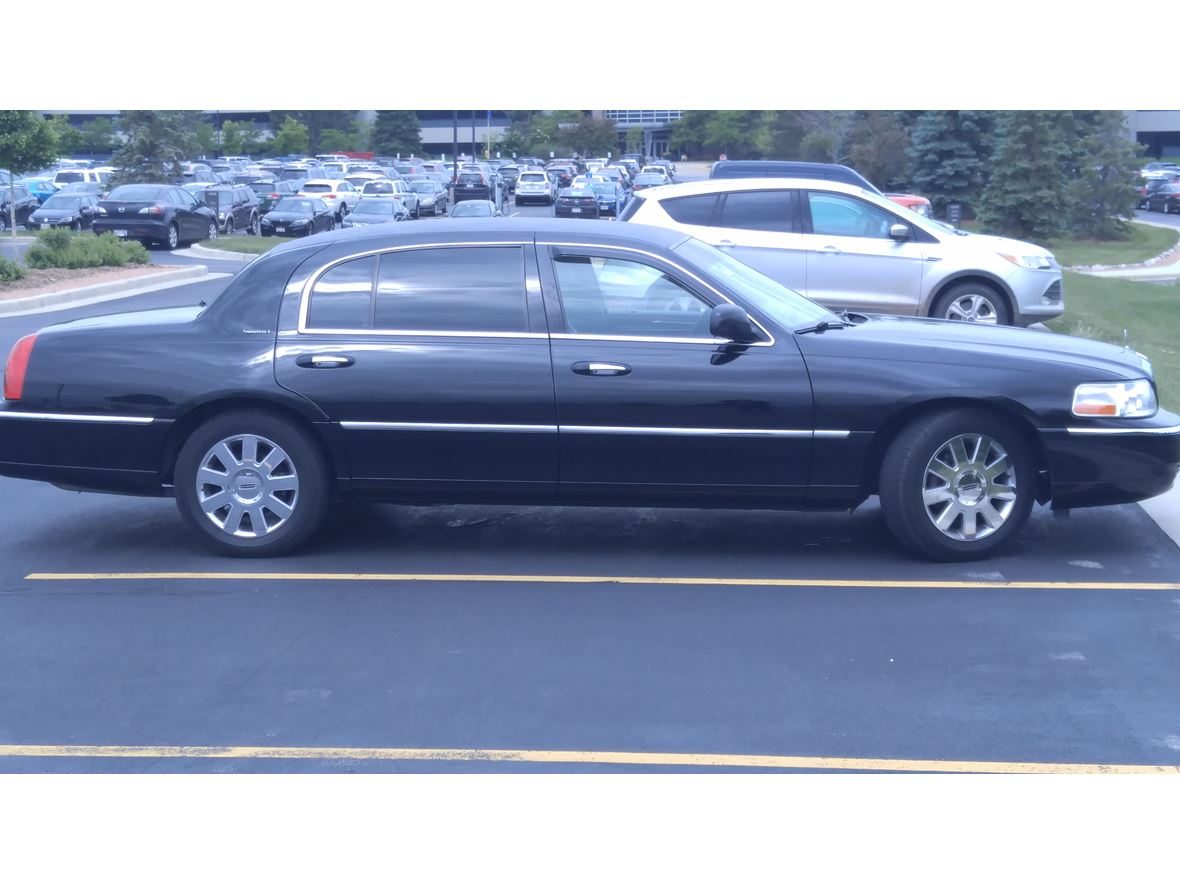 2011 Lincoln Town Car For Sale By Owner In Des Plaines Il 60018