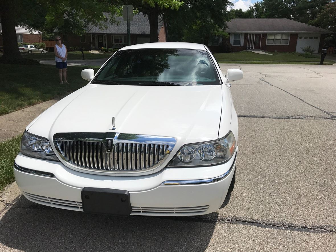 2011 Lincoln Town Car For Sale By Owner In Florence Ky 41042