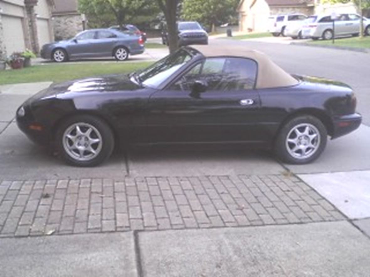 1996 Mazda Mx-5 Miata for sale by owner in Sterling Heights