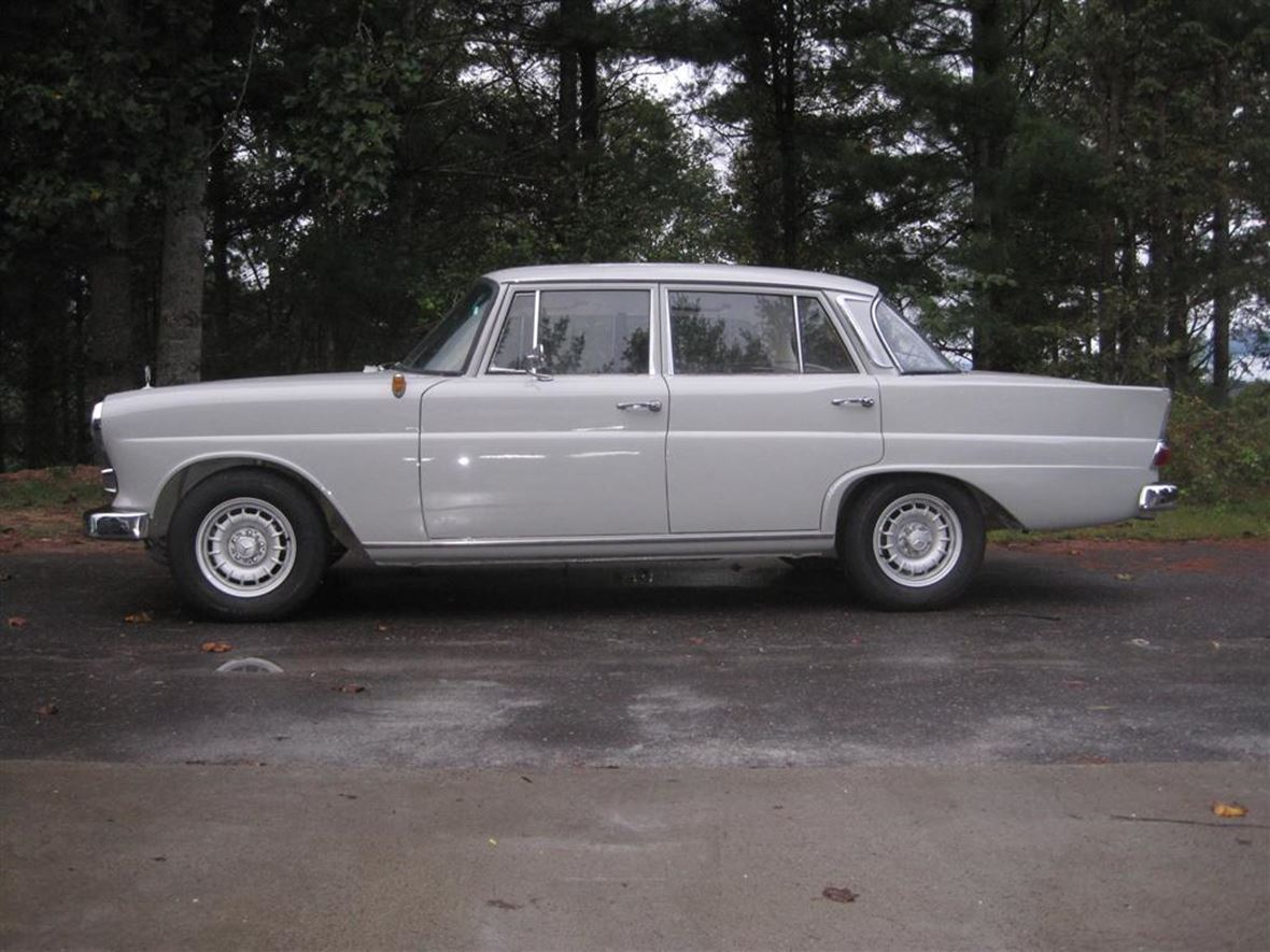 1965 Mercedes-Benz 190 for sale by owner in Bakersville