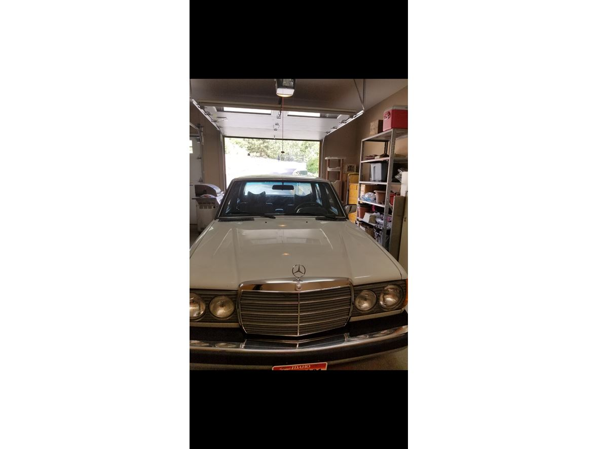 1977 Mercedes-Benz 280E for sale by owner in Post Falls