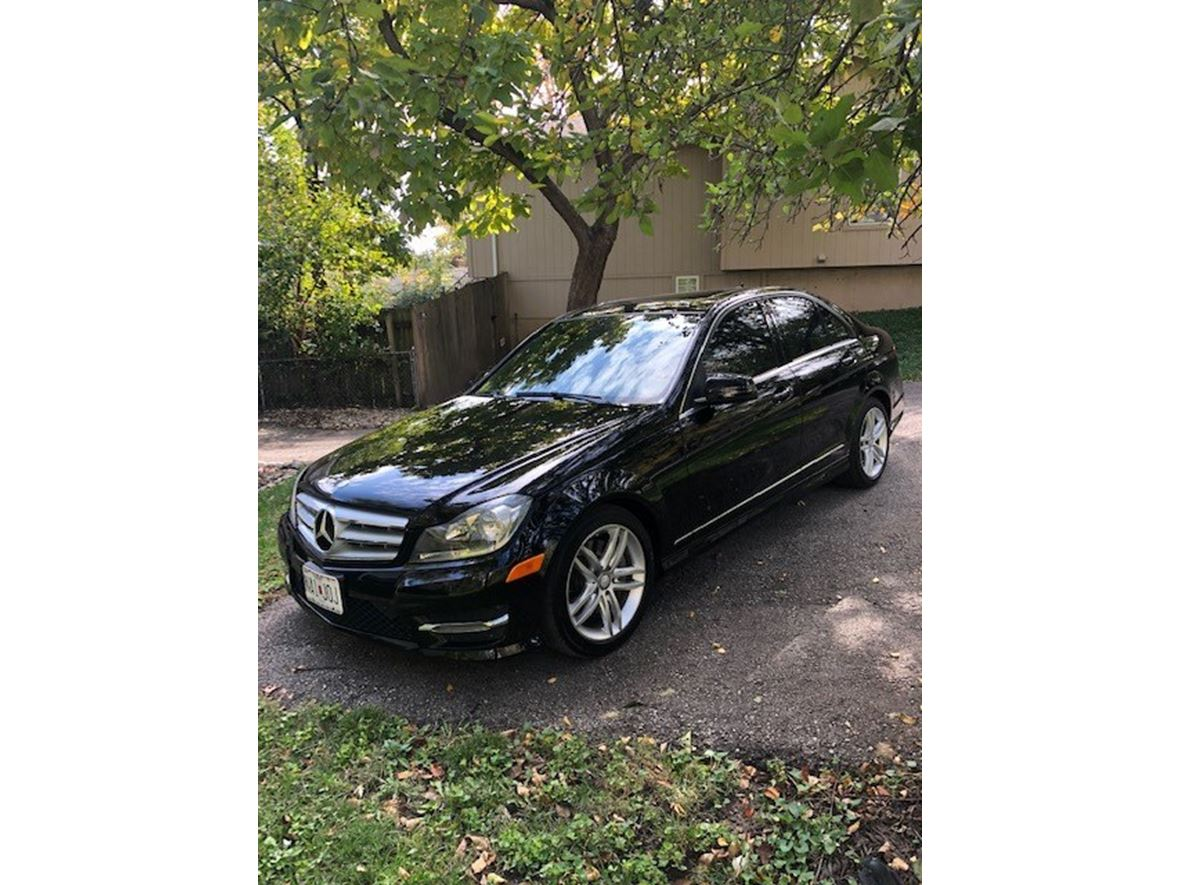 2013 Mercedes-Benz 300 for sale by owner in Kansas City