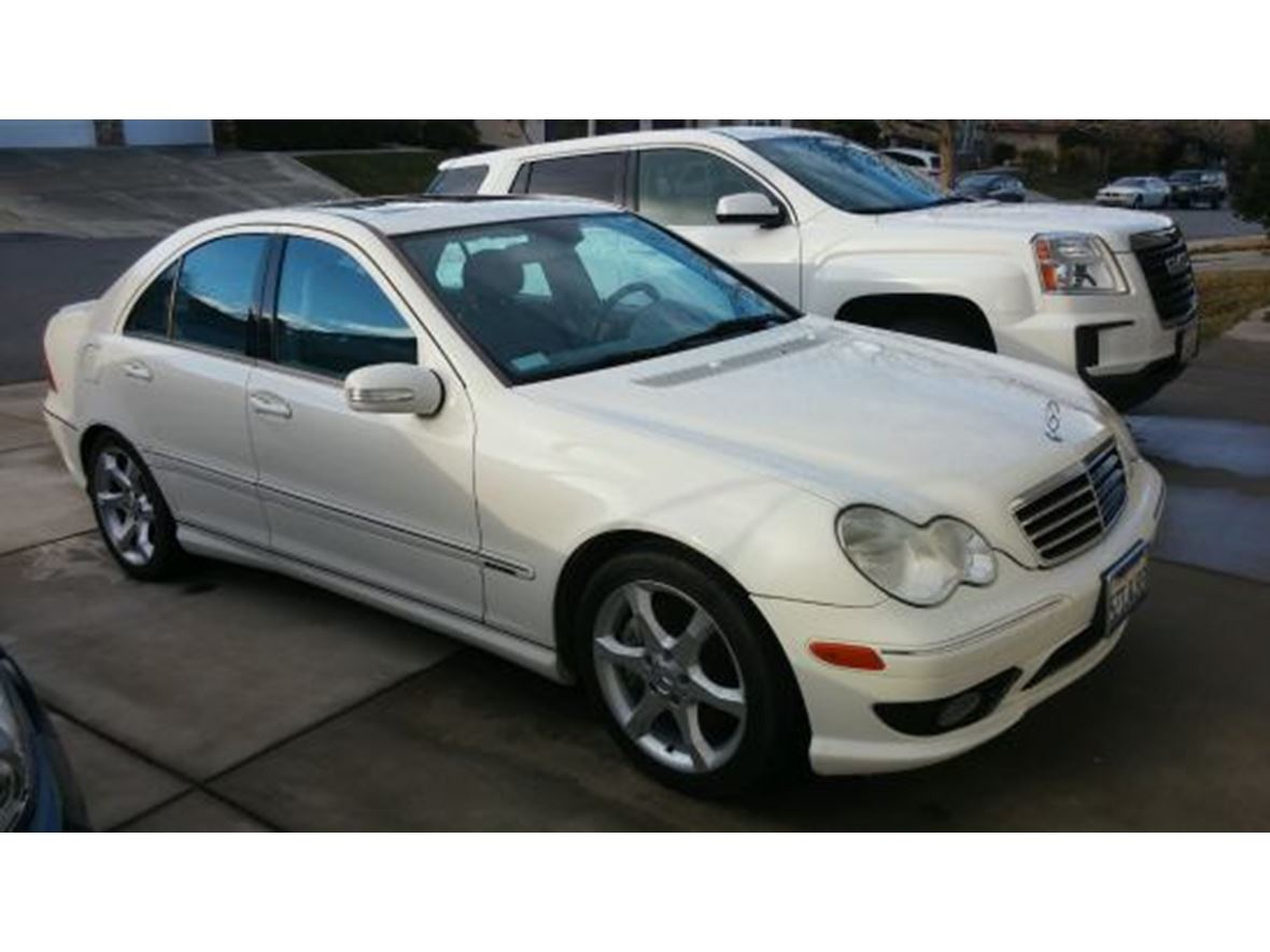 2007 Mercedes-Benz C-Class for sale by owner in Palmdale