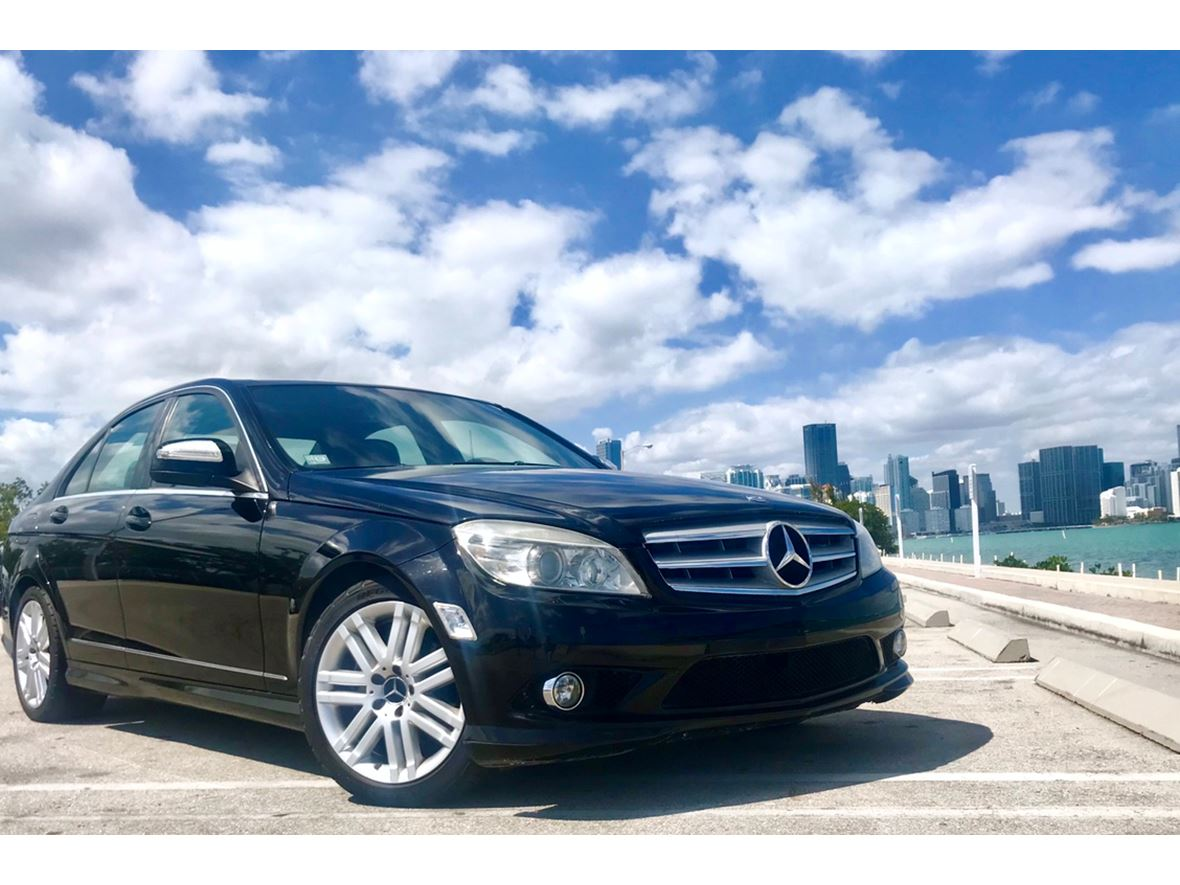 2009 Mercedes-Benz C-Class for sale by owner in Miami