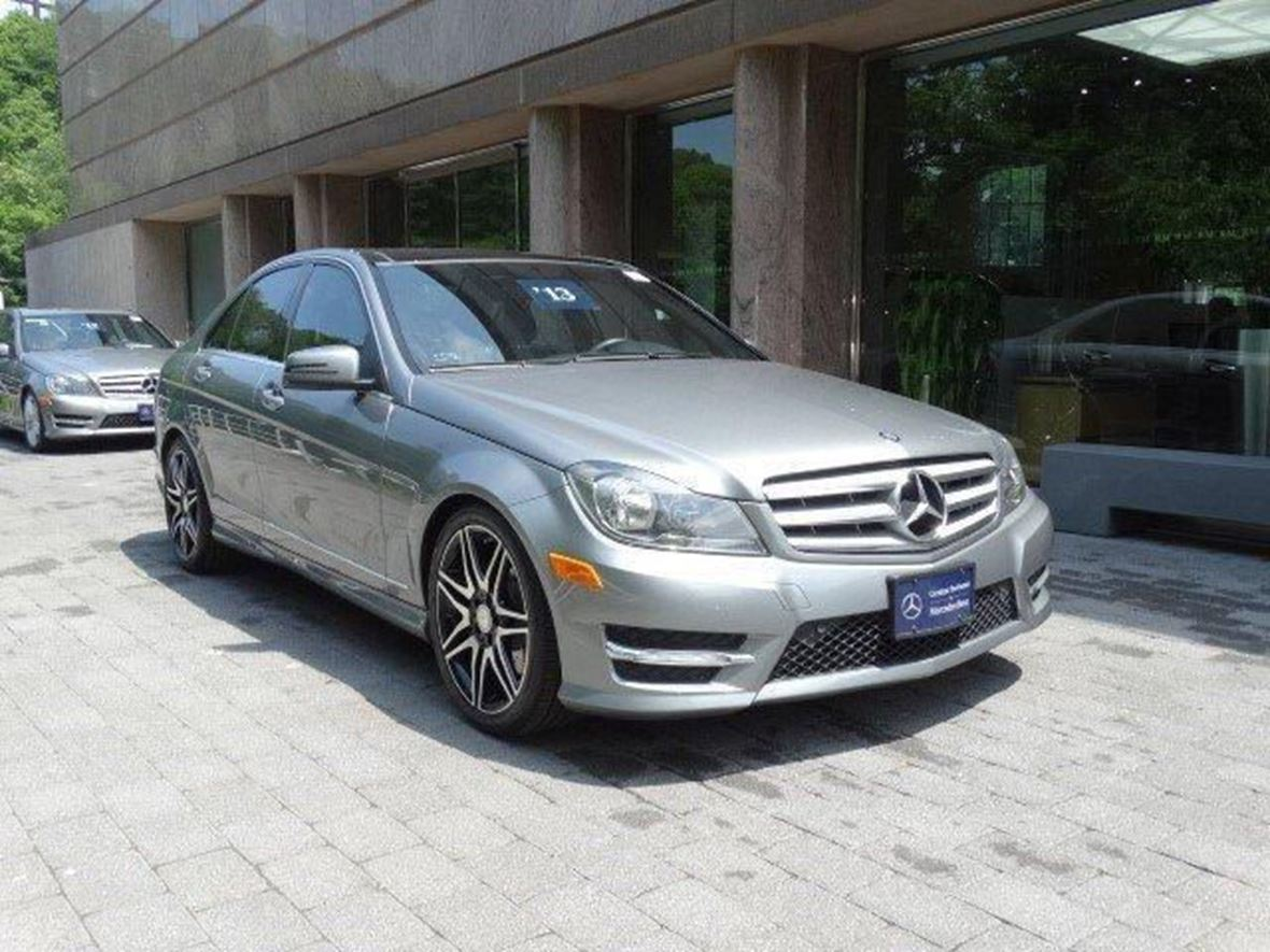 2013 Mercedes-Benz C-Class for sale by owner in Saint Louis