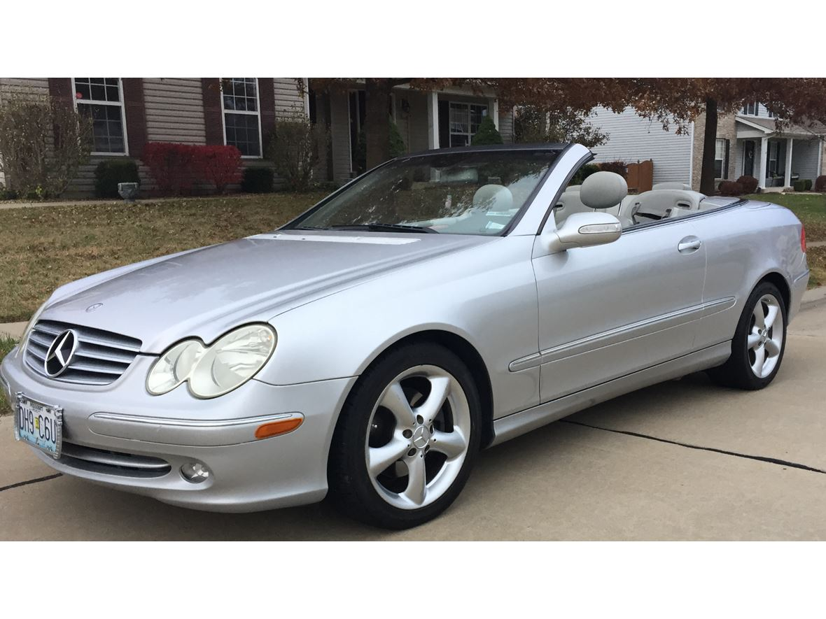 2005 Mercedes-Benz CLK-Class for sale by owner in Wentzville