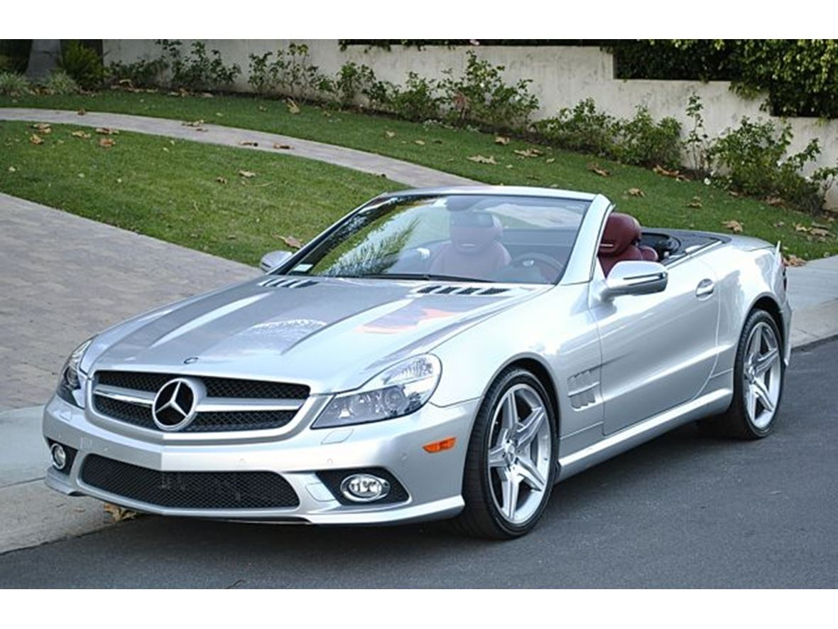 2009 Mercedes-Benz SL-Class for sale by owner in Fayetteville