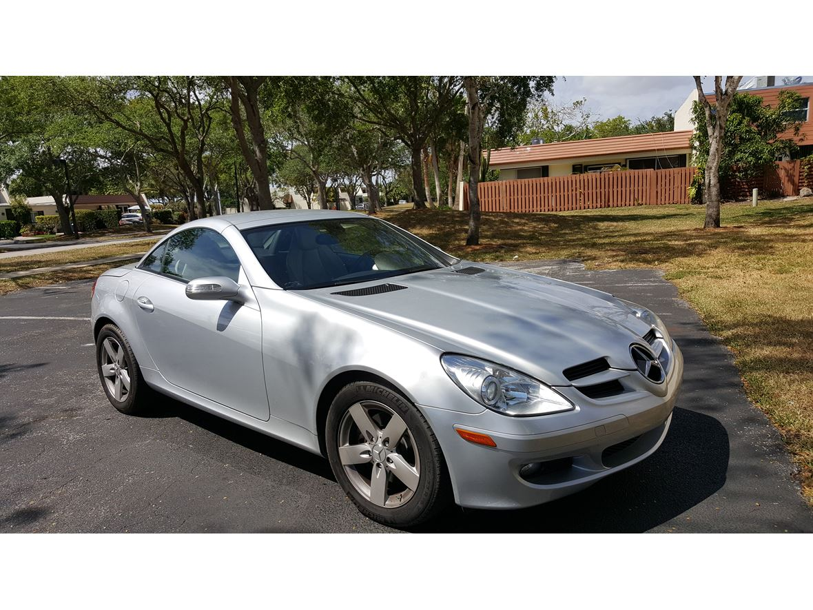2007 Mercedes-Benz SLK-Class for sale by owner in Miami