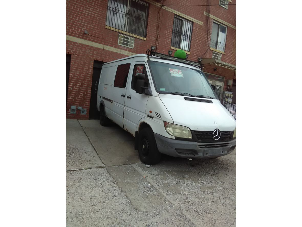 2002 Mercedes-Benz Sprinter for sale by owner in East Elmhurst