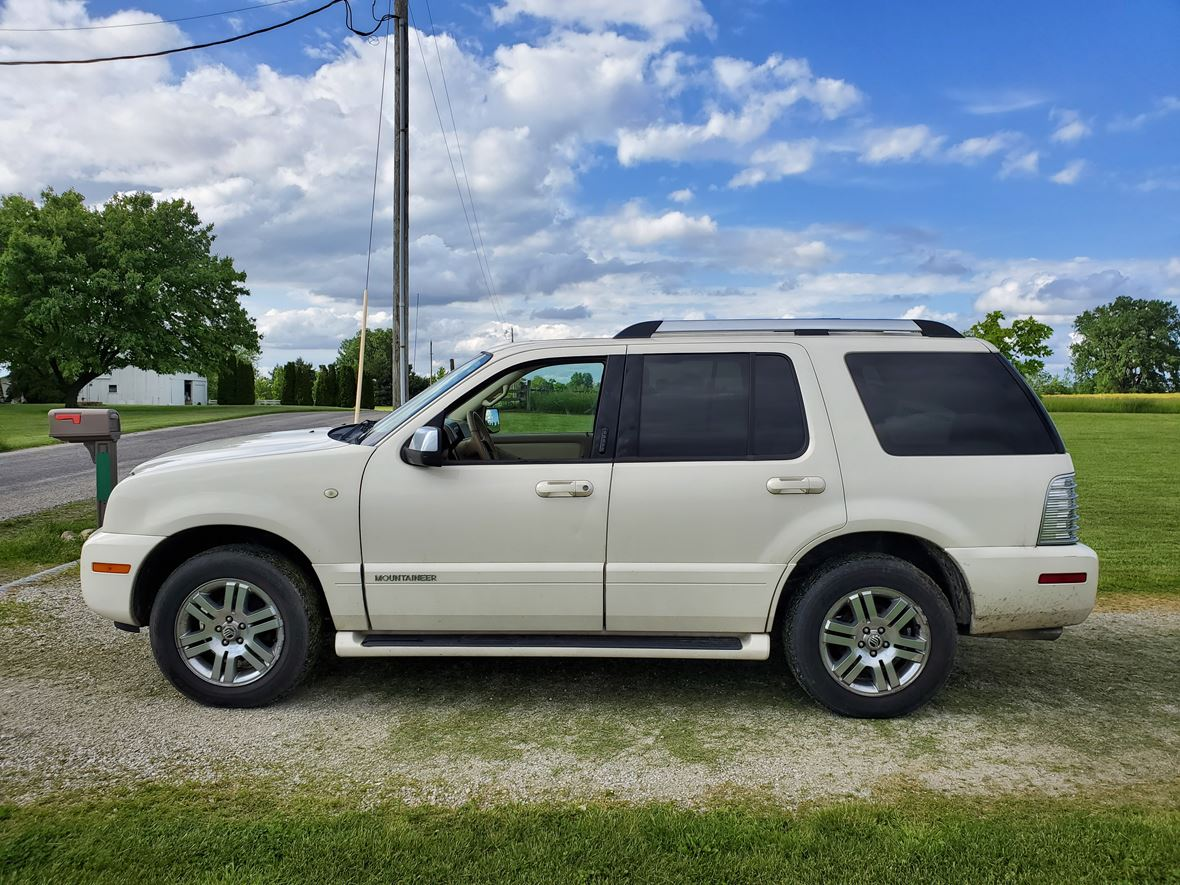 2008 Mercury Mountaineer Premier for sale by owner in Kempton