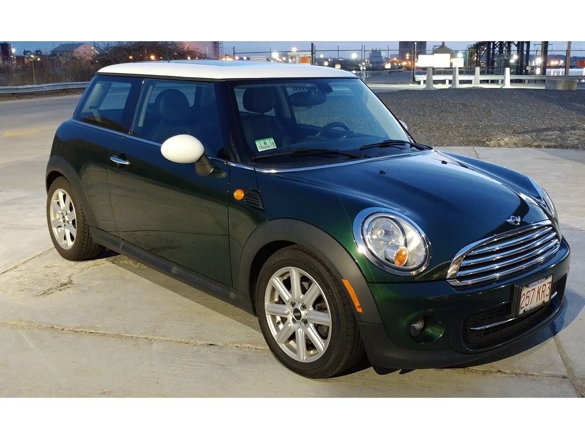 2013 MINI Cooper for sale by owner in Newbury