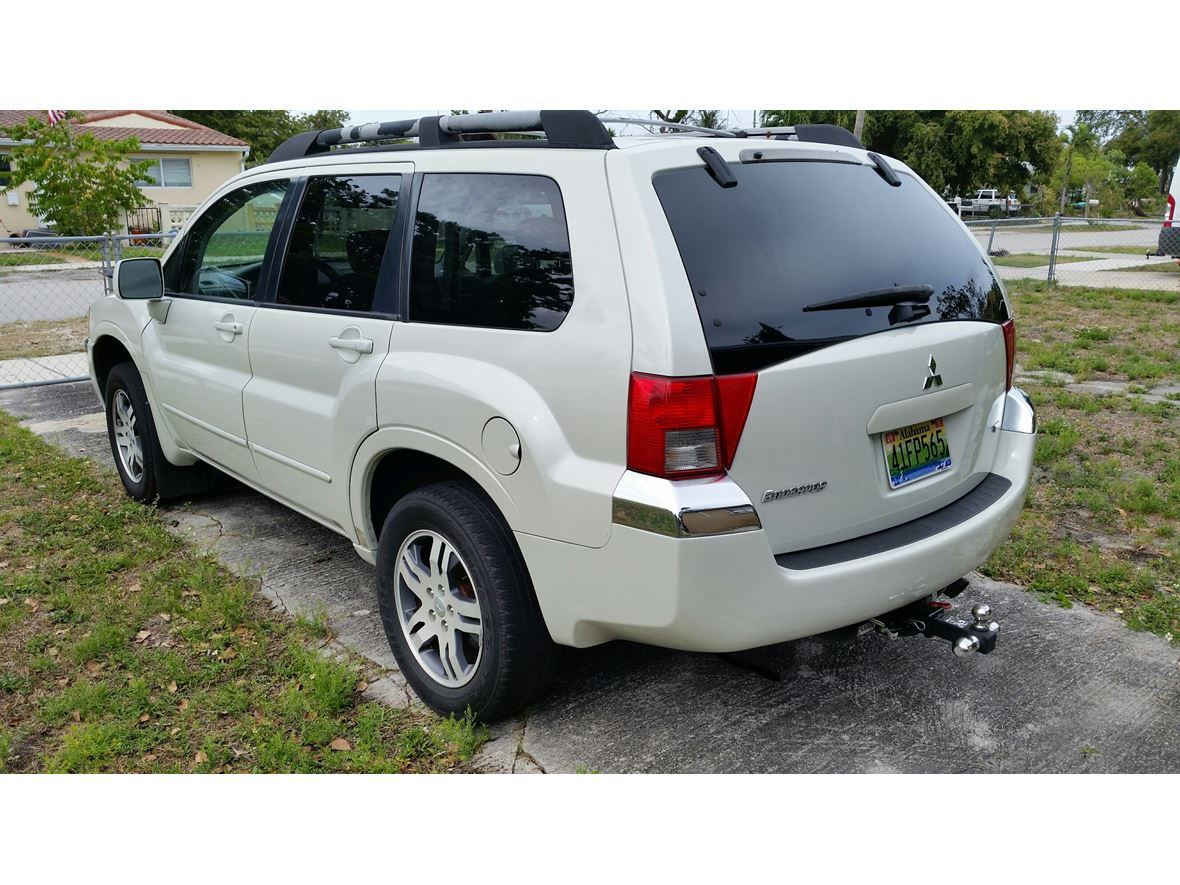 2004 Mitsubishi Endeavor for sale by owner in Hollywood