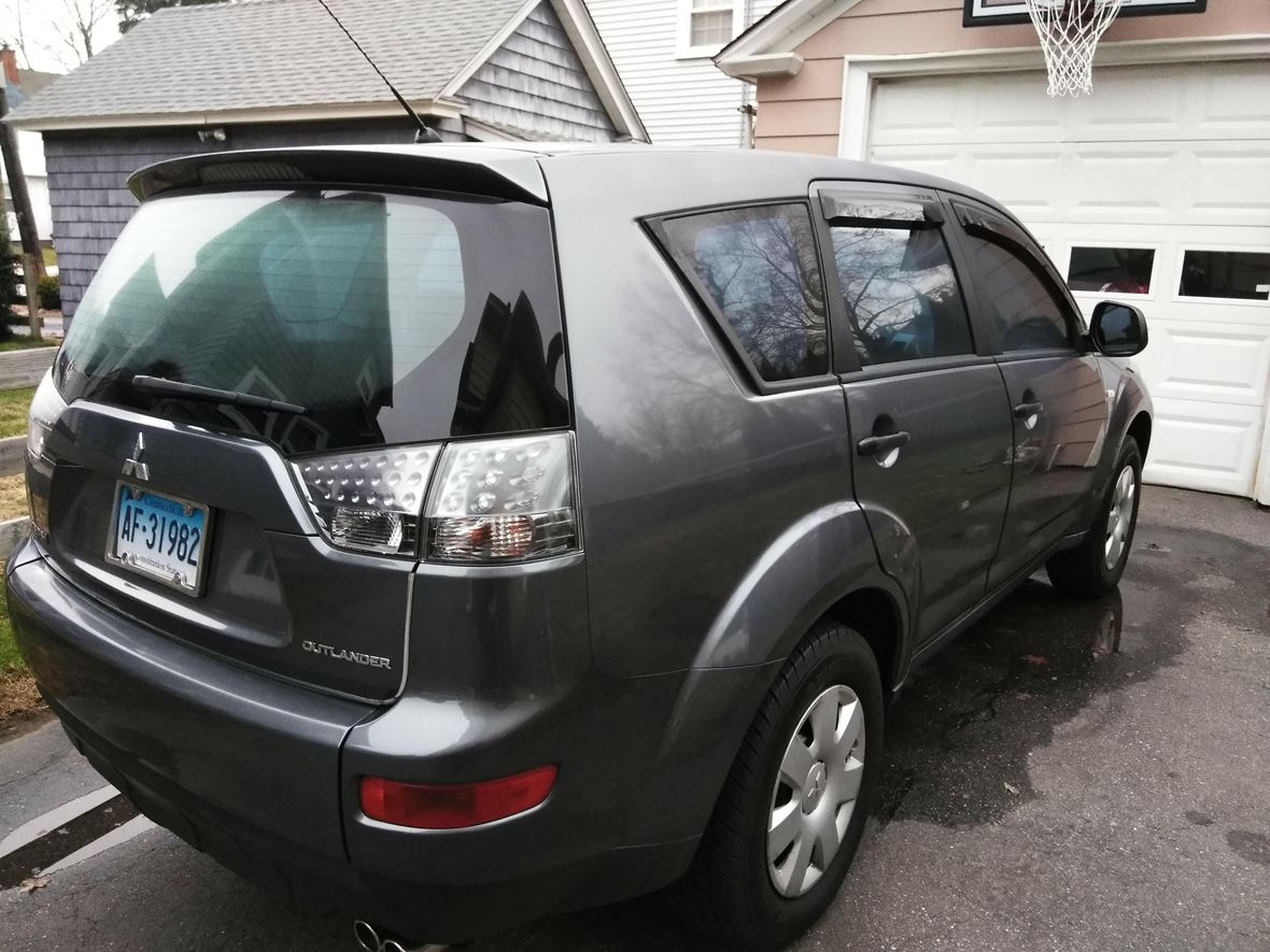 2007 Mitsubishi Outlander for sale by owner in New London