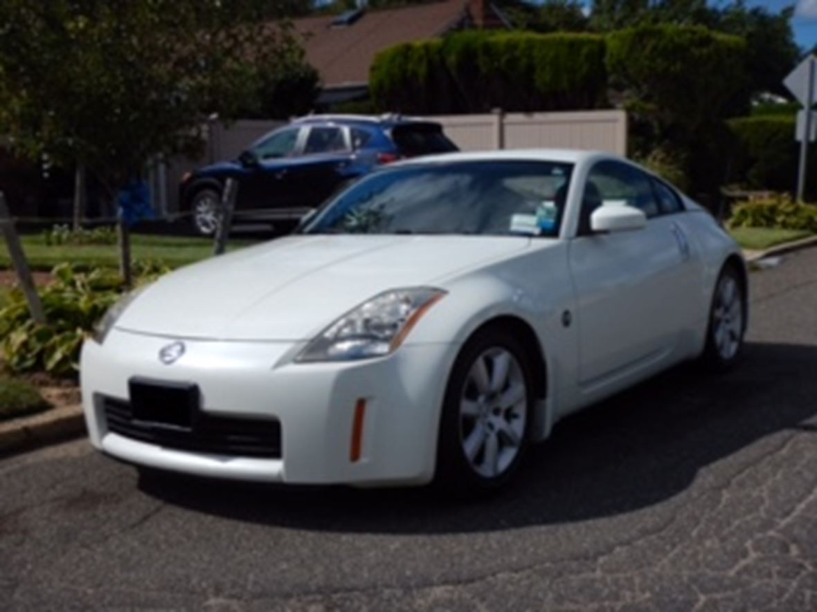 2003 Nissan 350Z for sale by owner in Huntington Station