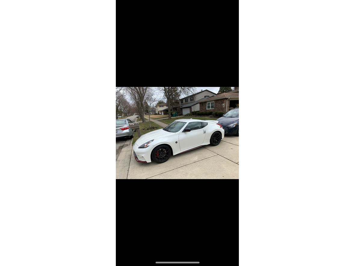 2015 Nissan 370Z nismo tech for sale by owner in Buffalo Grove