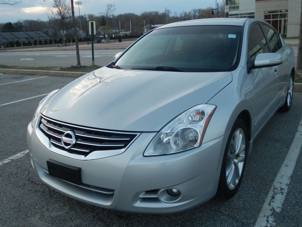 2010 Nissan Altima 2.5SL for sale by owner in Saugus