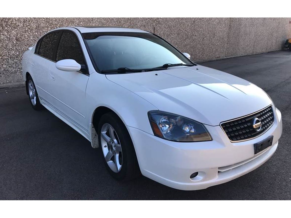 2006 Nissan Altima for sale by owner in Miami Beach