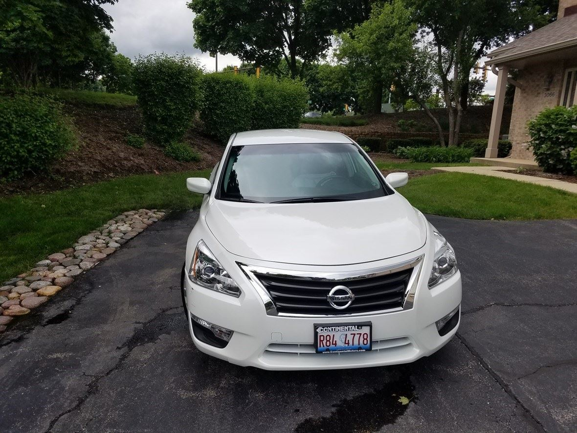 2013 Nissan Altima for sale by owner in Aurora