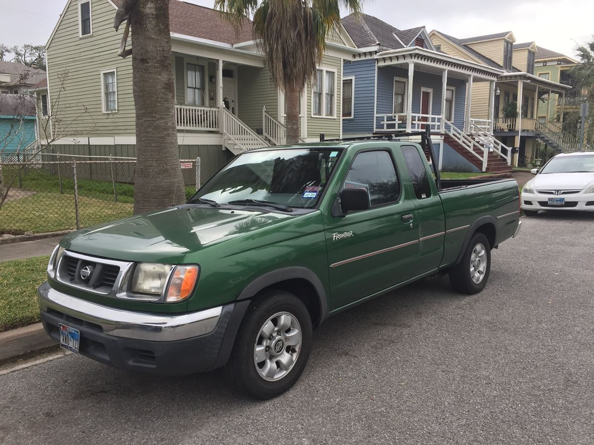 1998 Nissan Frontier for sale by owner in Galveston