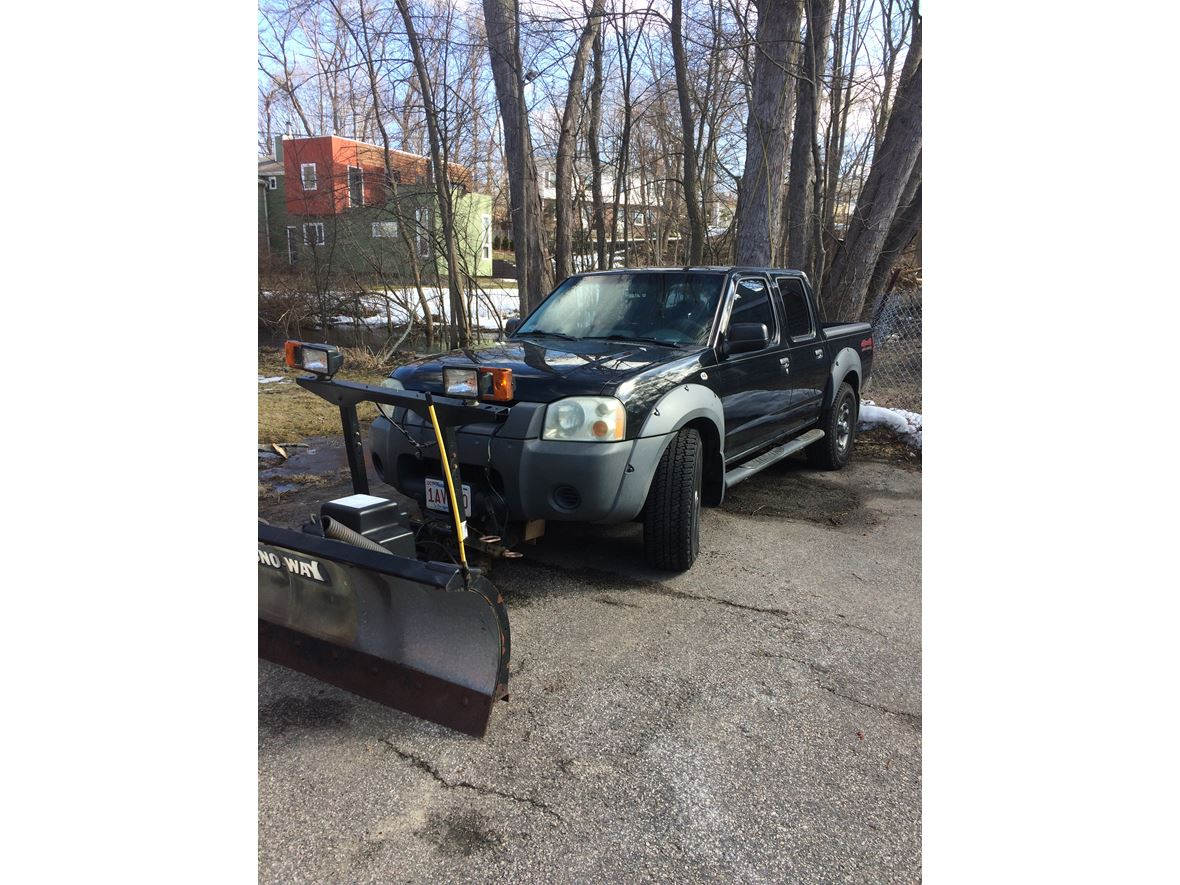 2003 Nissan Frontier for sale by owner in Newton Highlands