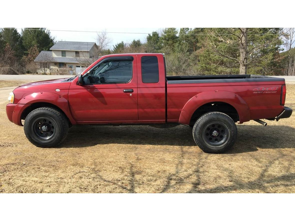 2004 Nissan Frontier for sale by owner in Traverse City