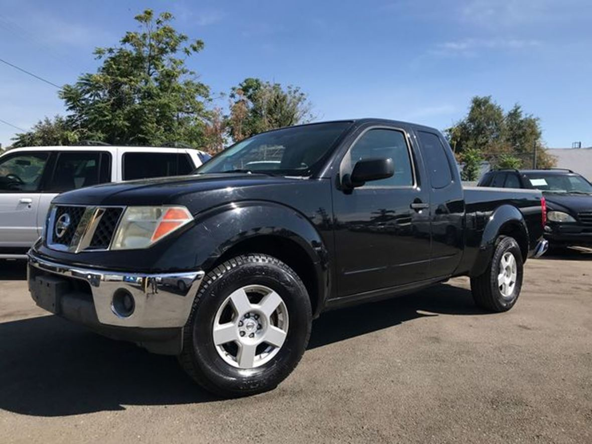 2006 Nissan Frontier for sale by owner in Van Nuys
