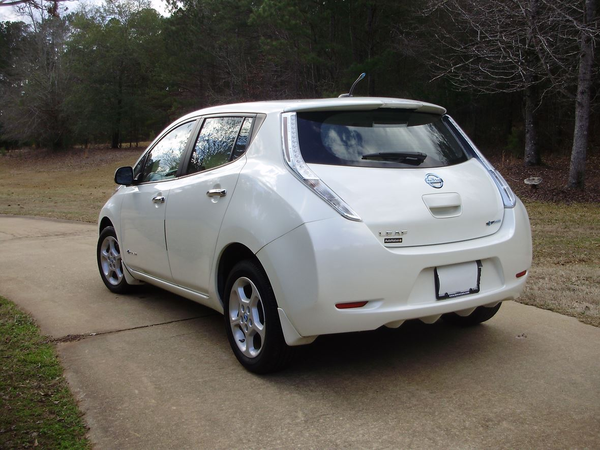 2013 Nissan Leaf for sale by owner in Pine Mountain
