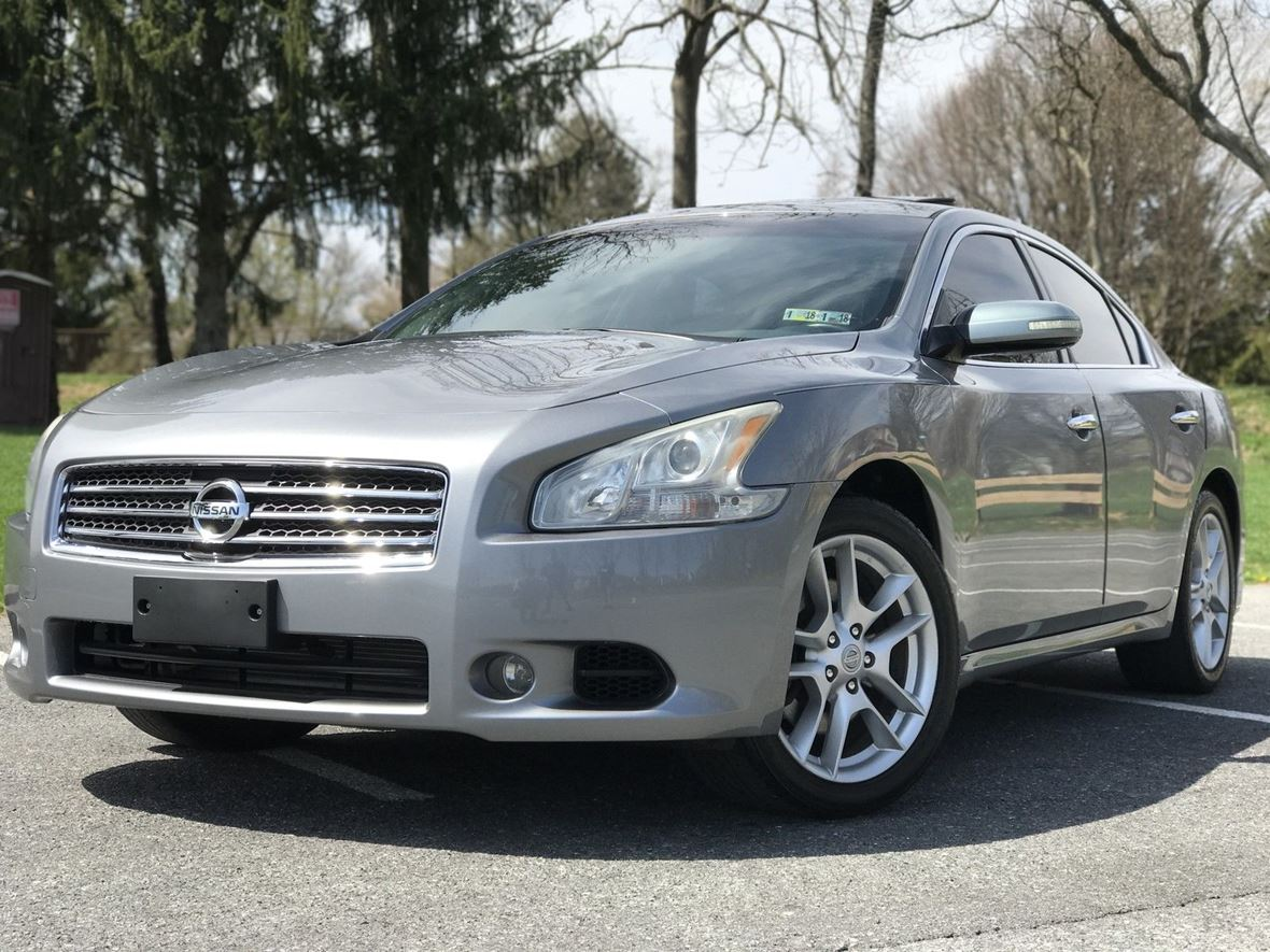 2009 Nissan Maxima for sale by owner in Pensacola