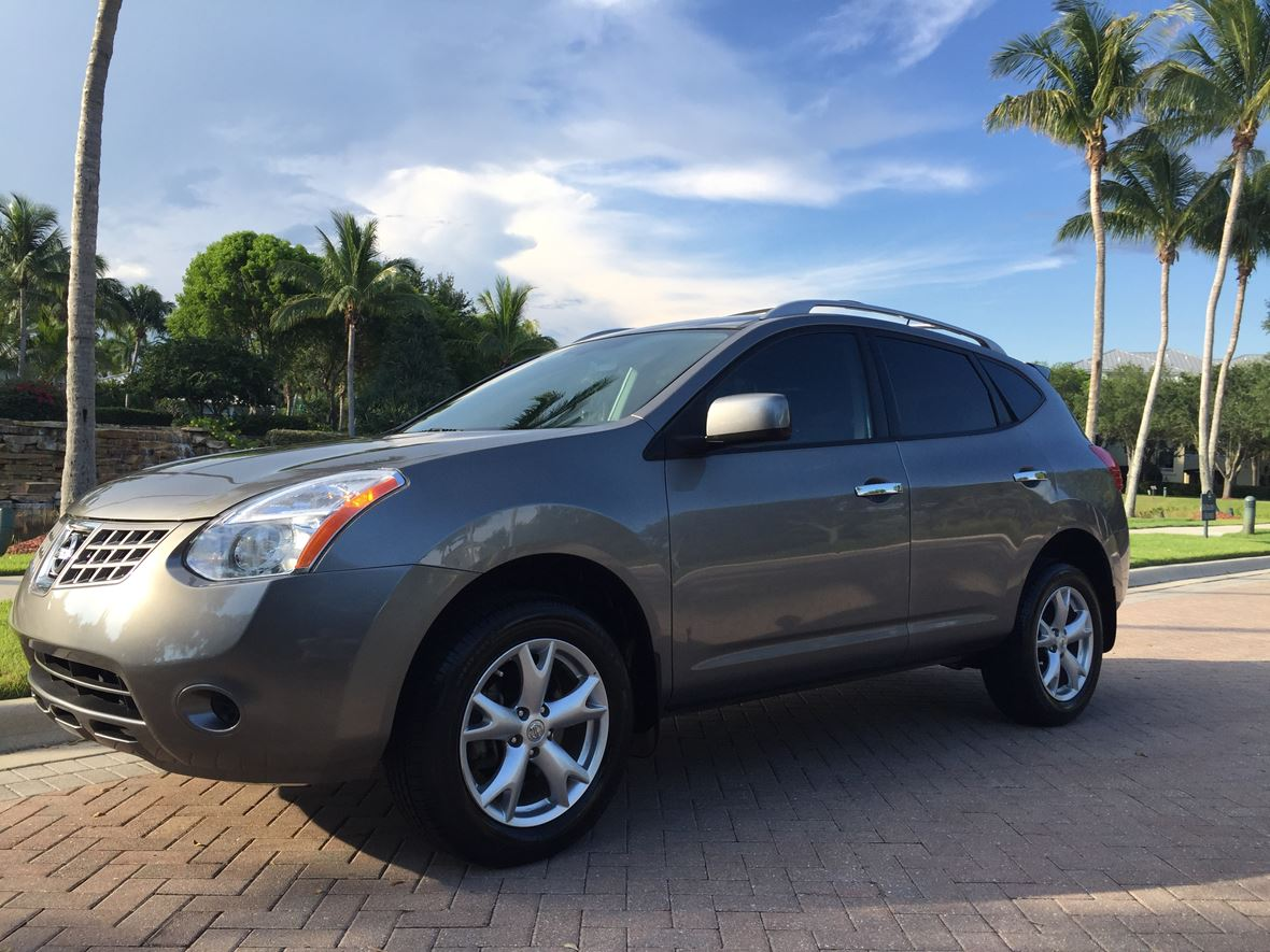 2010 Nissan Rogue for sale by owner in Bonita Springs